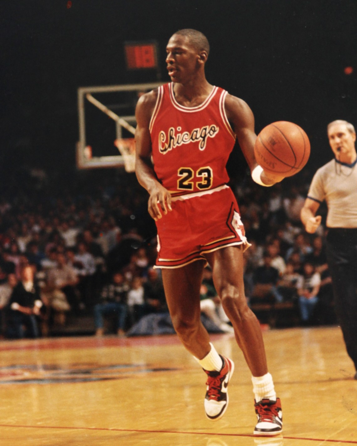 best loved 19d7c 96dab Recognizing a marketing opportunity when it presented itself, Nike happily  paid the fine. And MJ rocked them all the way to his Rookie of the Year  honor.